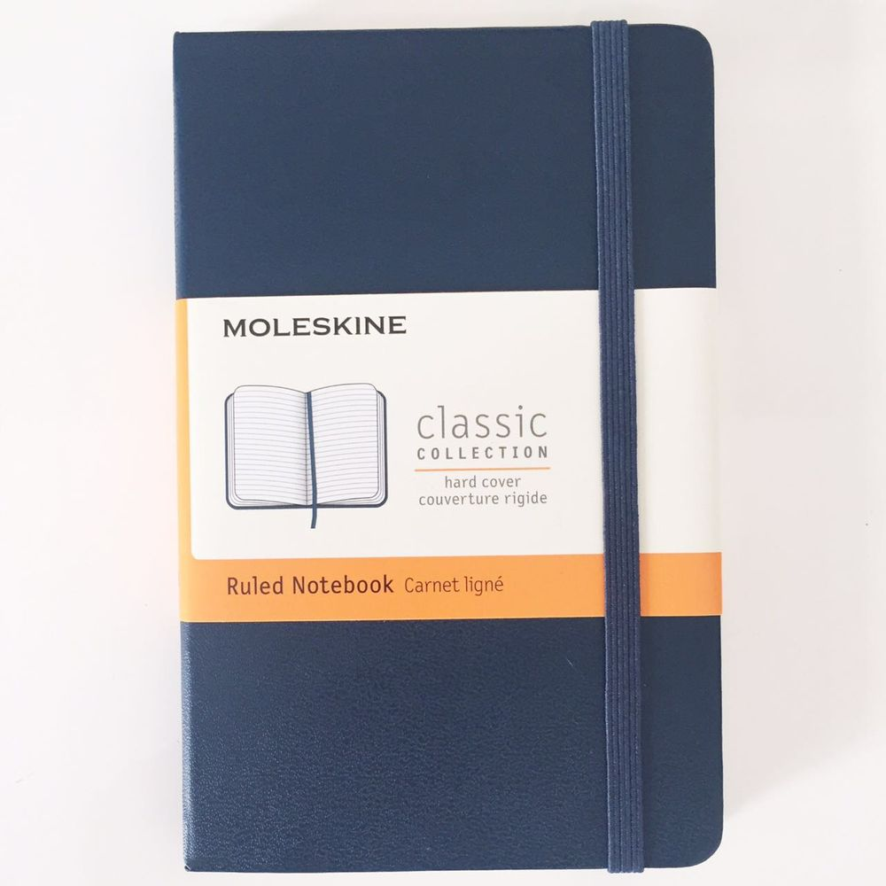 Moleskine-Marinho