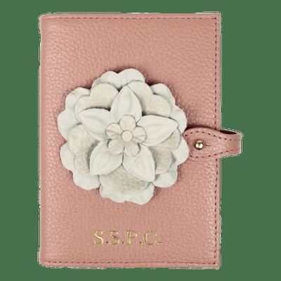 merci-with-love-porta-passaporte-duplo-camelia-algodao-doce-liso-camelia-off-white-liso-frente